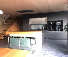 Realizace designové kuchyně next125