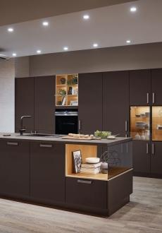 Kuchyně S-line 961  Přitažlivá souhra materiálů v tmavých odstínech graphite black ultra matt.