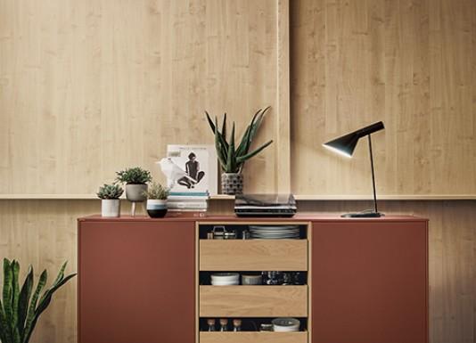 Stylová kombinace obývacího pokoje s kuchyní přesně podle představ a nejvyšších požadavků.