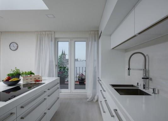 Před dvěma lety jsme kompletně renovovali byt v historickém centru Prahy koncipovaný pro dvě osoby