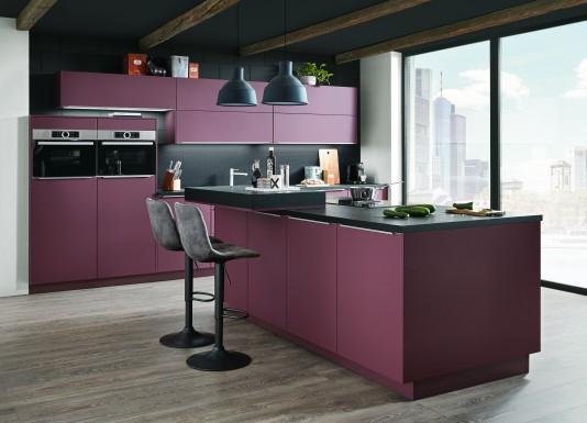 S-Line 963 lak laminát mat červená rost nabízí moderní, funkční a odolné pojetí kuchyně pro početnou rodinu.