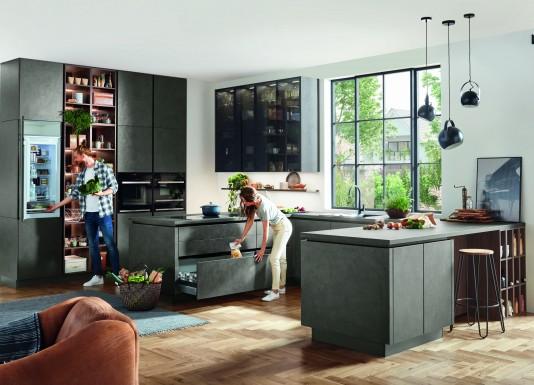 Moderní kuchyně v betonovém designu